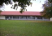 Überdachte Stockschützenbahn-Festhalle von Aussen-Seitlich