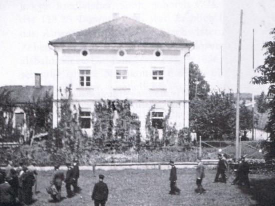 Bild der Schule von 1889 bis 1967